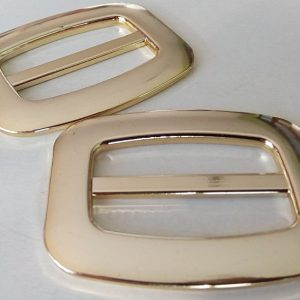 Plastova spona zlata